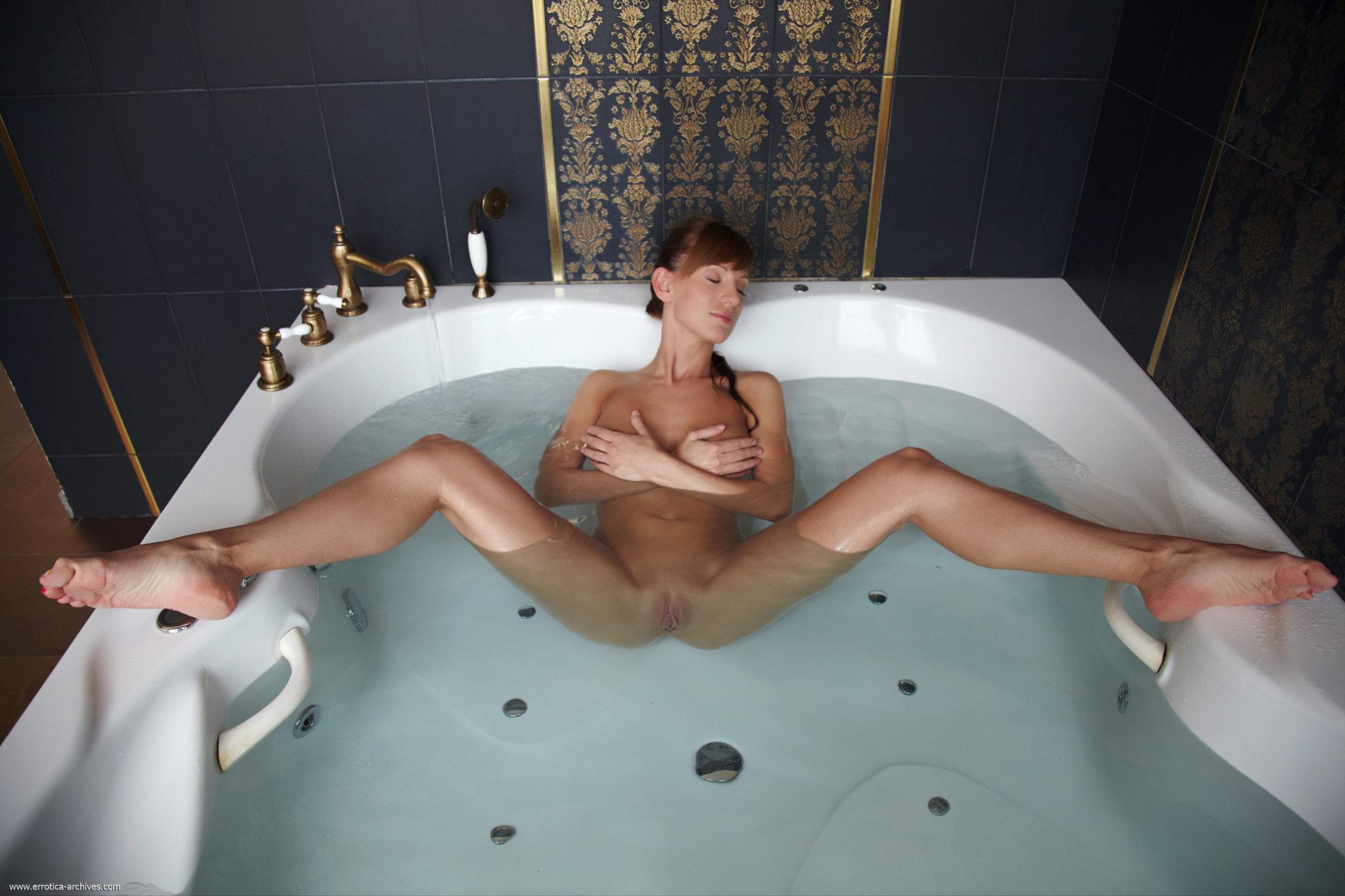 Секс с мокрой телкой 1 фотография