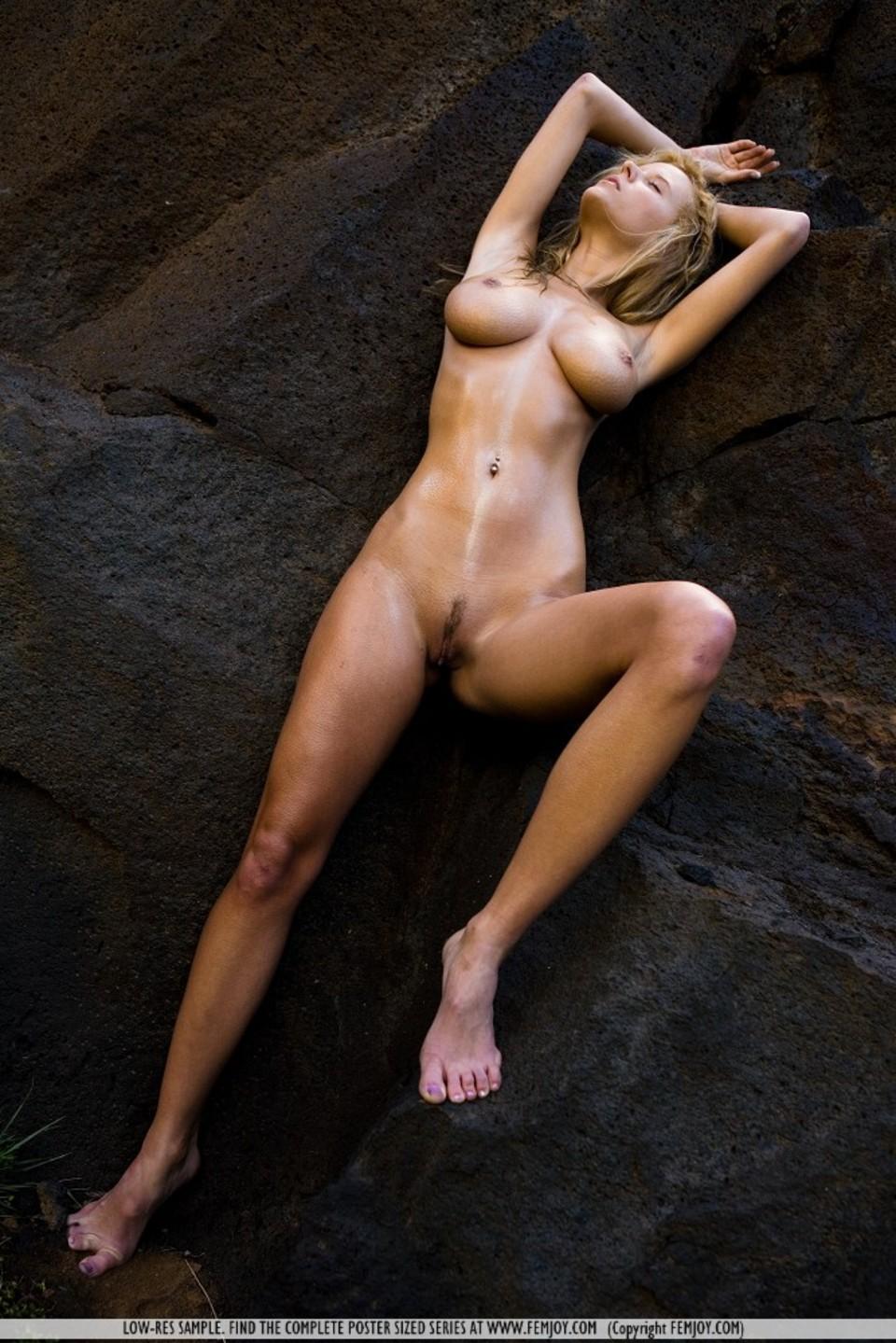 eroticheskie-tela-devushek-foto