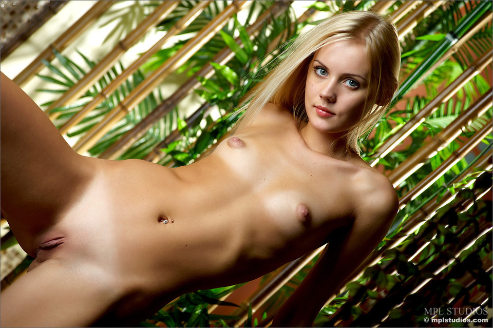 модели с маленькой грудью фото
