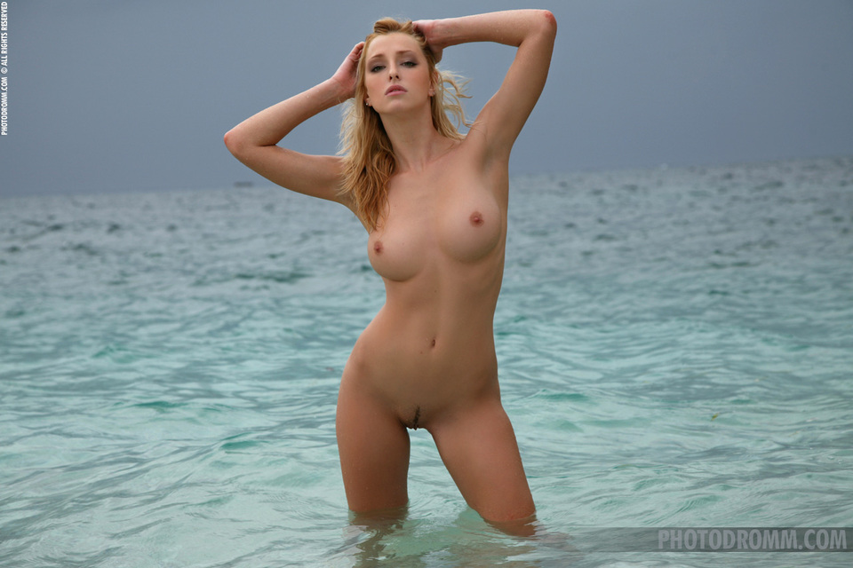 девушки голые онлайн бесплатно фото
