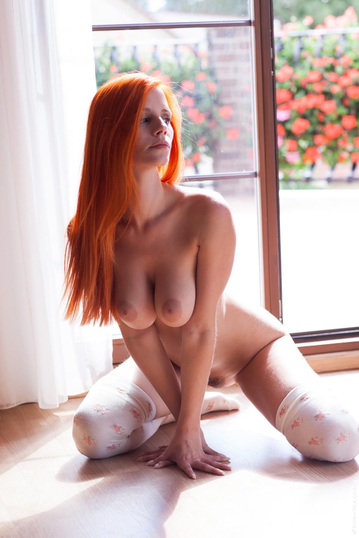 Рыжие голые сучки
