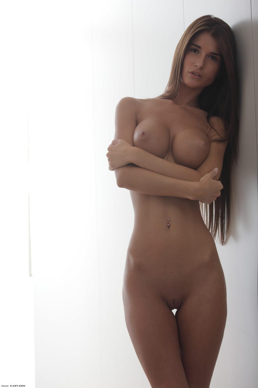 visokie-krasivie-golie-devushki