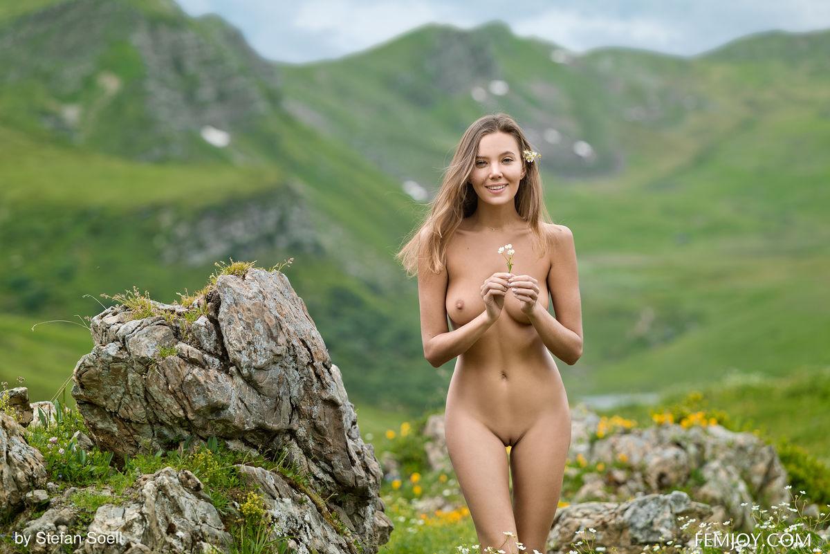 Anke Nude Classic